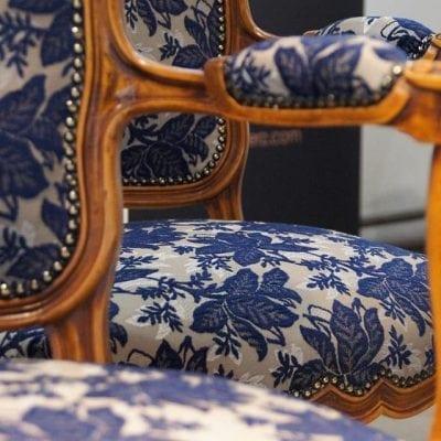 Neu bepolsterte Stühle im Klassischen Design