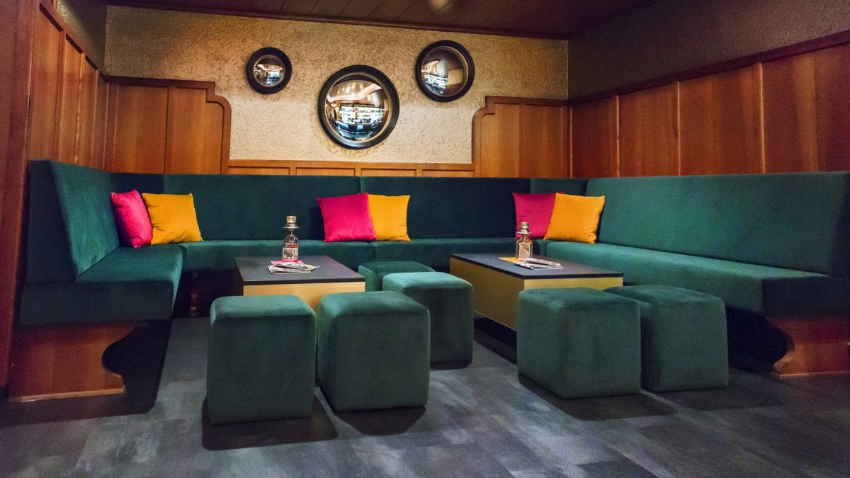 Objektausstattung durch königherz Polsterei: Restaurant Markgraf Backnang Lounge